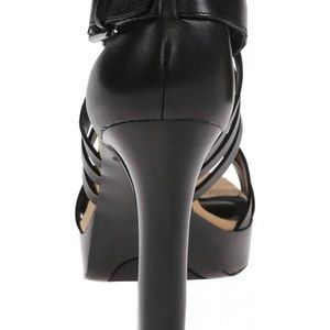 3e9ae28c4d3b3a Lauren Ralph Lauren Shoes - 😍Lauren Ralp Lauren Women s Safia platform  sandal